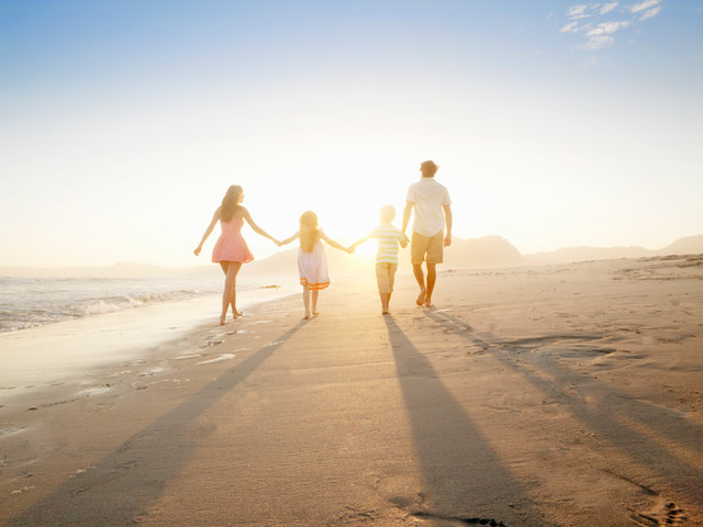 Is your goal to reach the family on vacation, and have them stop to enjoy your golf course and amenities?