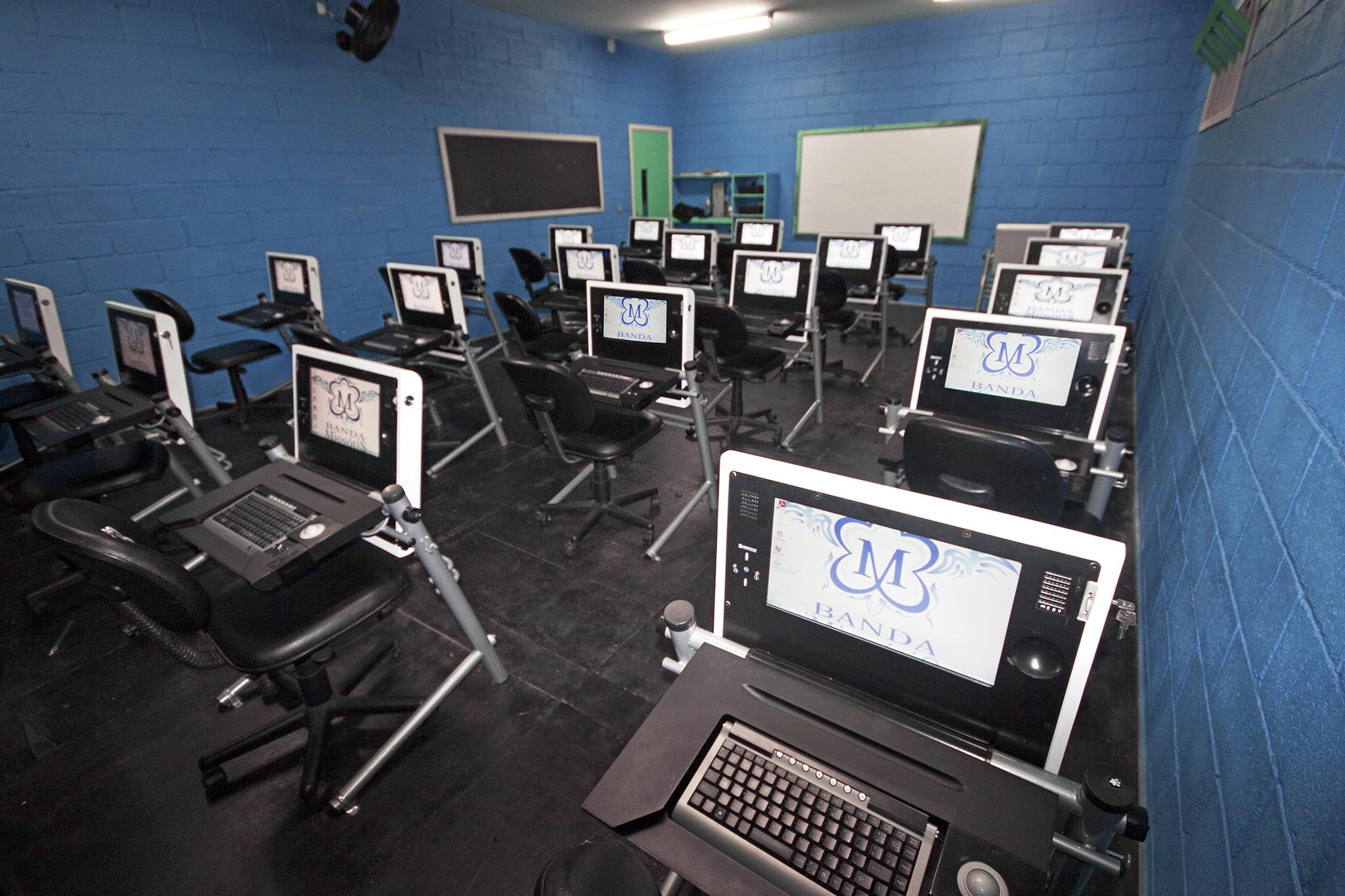 Sala de informática | Miosótis