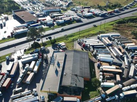 A quem interessa a greve dos caminhoneiros?
