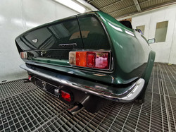 Aston_Martin_DBS_V8