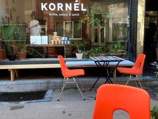 Antwerp Kornél, Bar-à-café + espace de travail