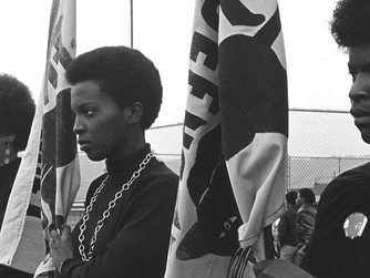 Black Lives Matter, s'habiller-en-noir ou le Black Panther Party
