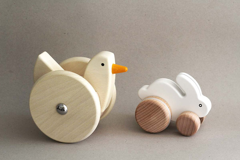 Wobbling Chicken / White Bouncy Rabbit