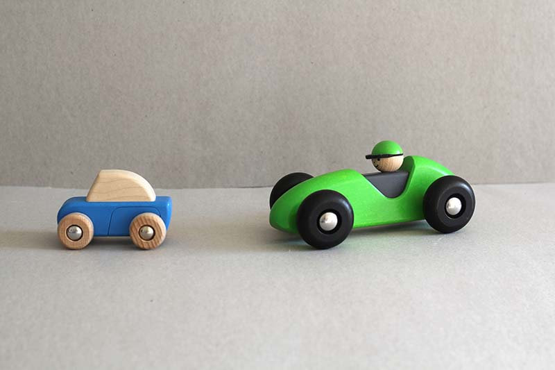 Blue Pull Back Car / Left Right Car Green