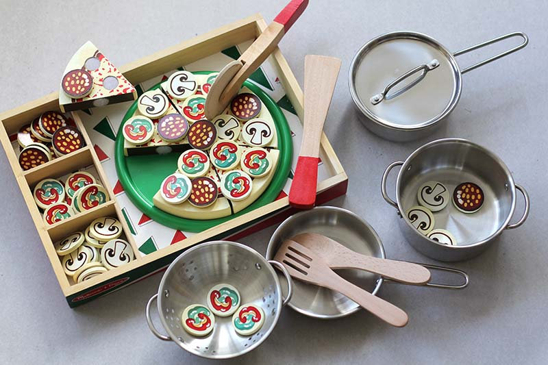 Wooden Pizza / Stainless Steel Pots and Pan set