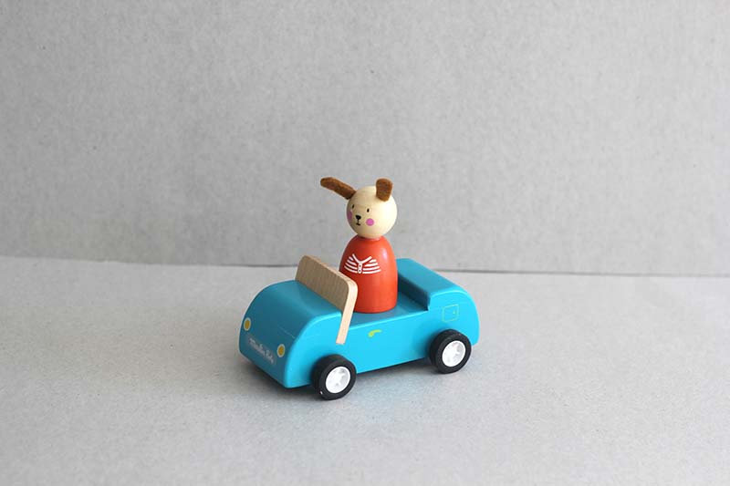 Small Blue car / Wooden Bus / Wooden characters
