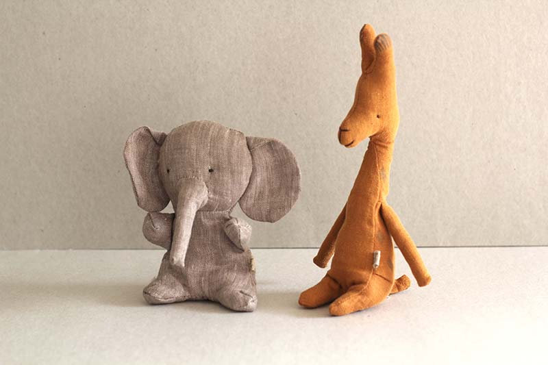 Mini Giraffe / Elephant- Noah's Friends