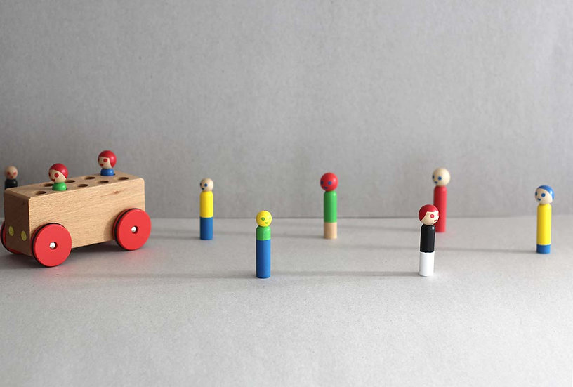 Wooden block Bus with people