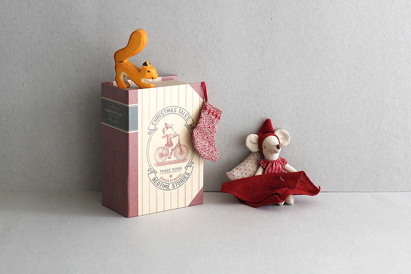 Christmas Tale Mouse in box / Wooden Squirrel