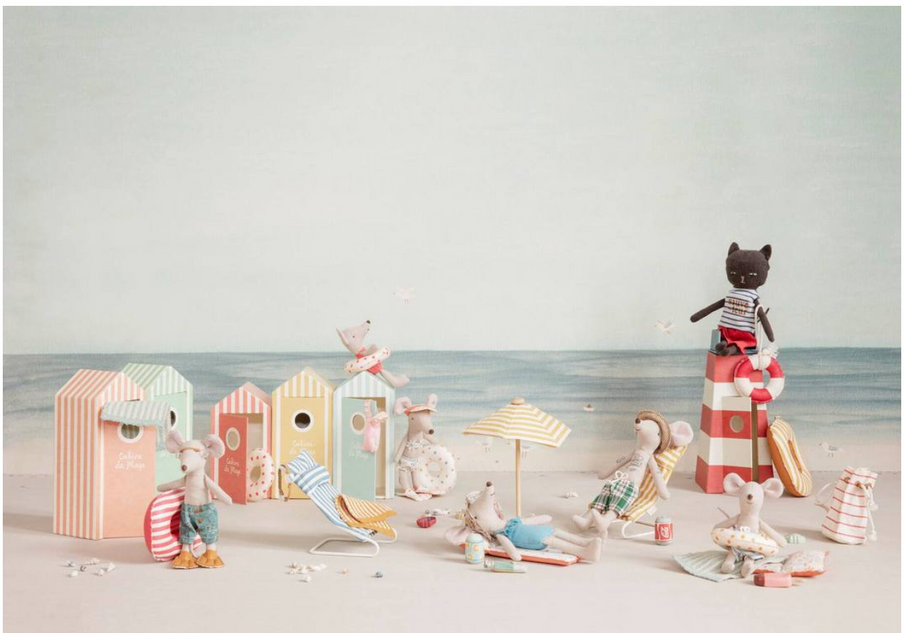 The Cabin de Plage Maileg mice collection are off to the beach!
