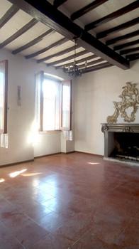 appartamento con garage   77 mq   € 79.000
