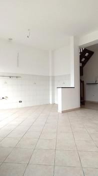 appartamento con mansarda   110 mq   € 87.000