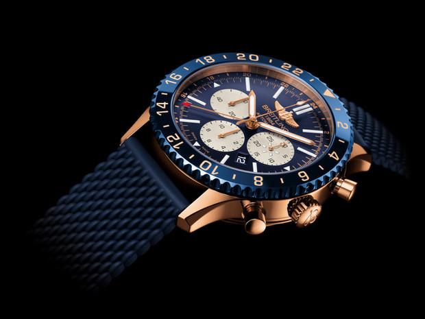 Breitling Chronoliner B04飞机师的腕表