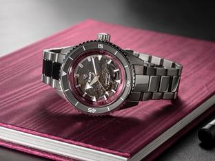腕表换上粉红外衣支持10月粉红丝带运动