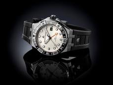 实用大方双时区腕表有TA:Maurice Lacroix AIKON Venturer GMT