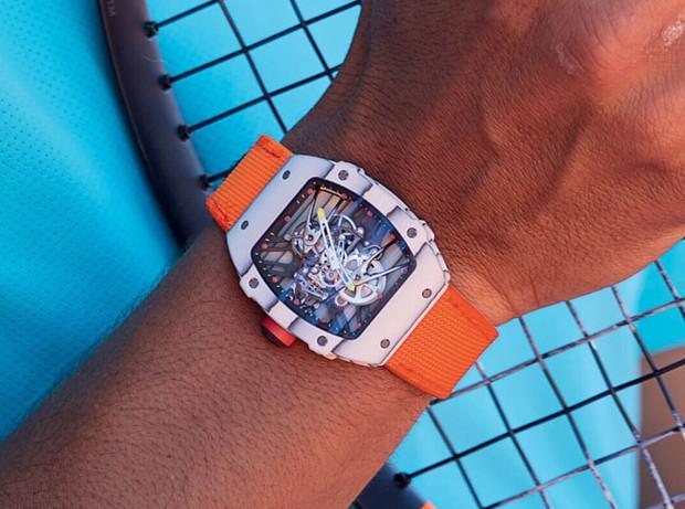 运动腕表与时间较劲