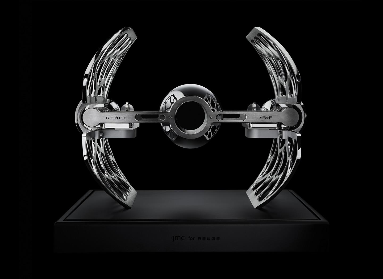 与Reuge合作推出的Music Machine音乐装置。