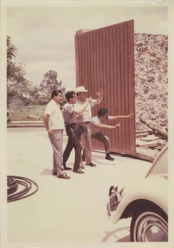 Proyectando Mural en La Tallera 1. Cuernavaca, Morelos. 1967