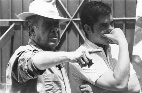 Siqueiros y Márquez discutiendo detalles del mural. Cuernavaca, Morelos. 1967