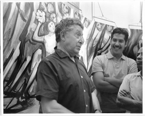 Siqueiros y Márquez en la Tallera 2, 1970