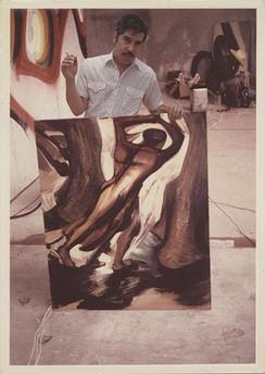"""Márquez con el estudio para el mural """"La Marcha de la Humanidad"""". Cuernavaca, Morelos. 1967"""