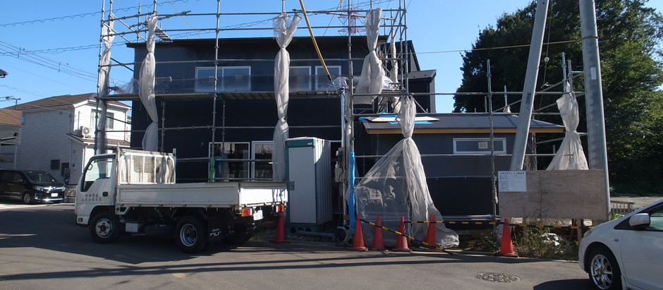 新河岸の家 外部塗装・大工工事も間もなく終了