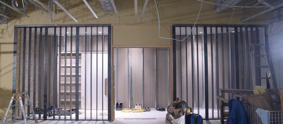 ビルEVホール改修 ドア木枠・スチール特殊塗装