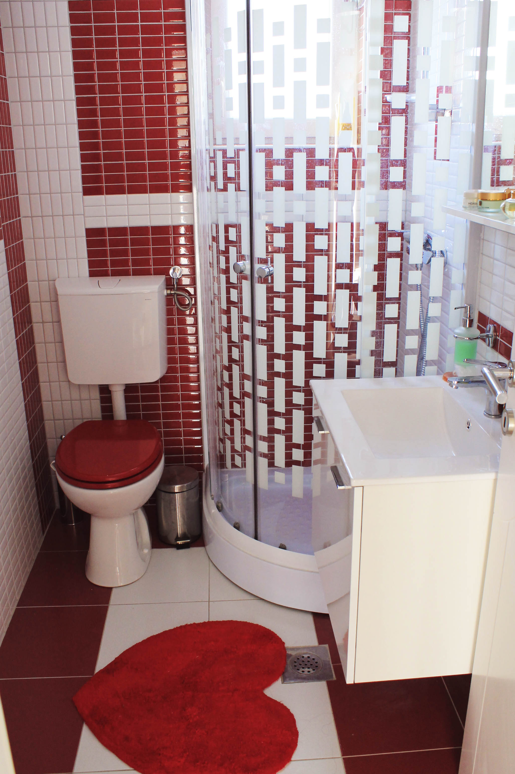 master bathroom Mamma Mia.jpg