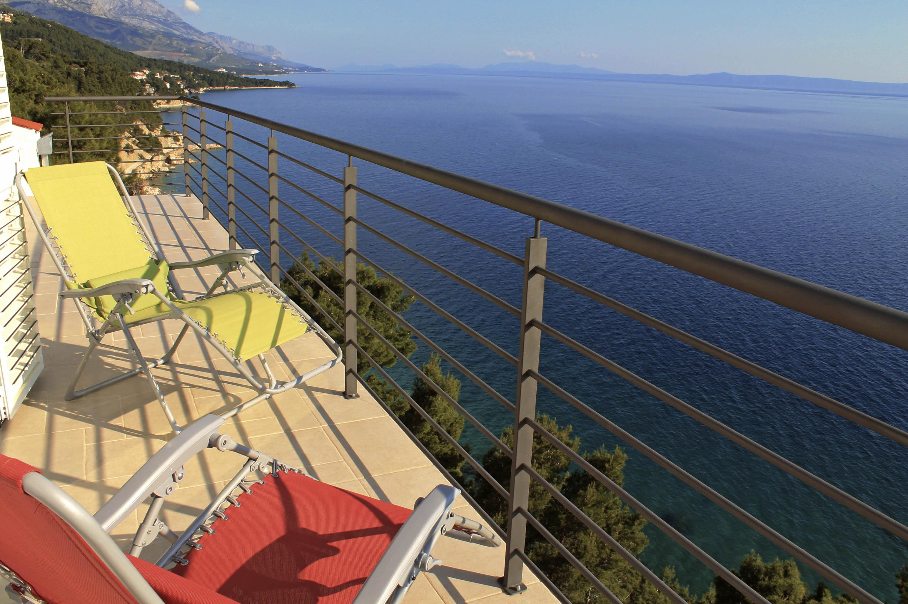 balcony mamma mia1.jpg