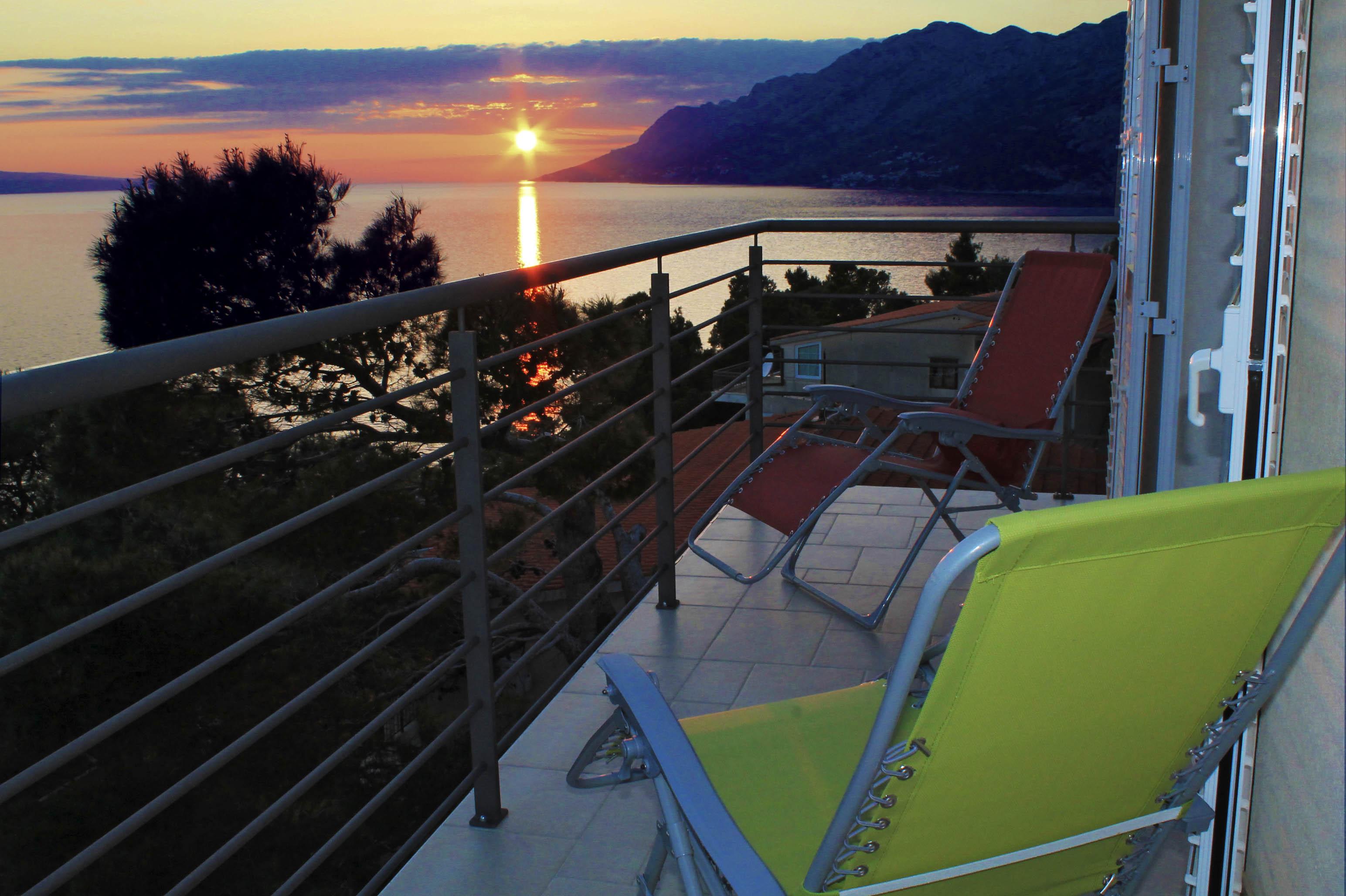balcony mamma mia2.jpg