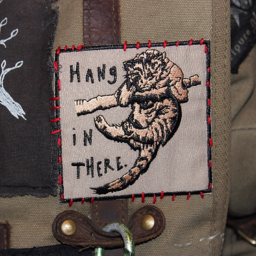 Hang in there — 9 x 9 cm. embroidered patch