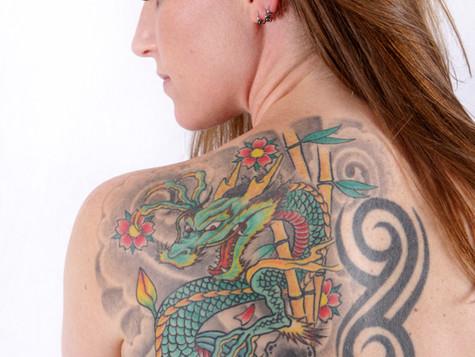 Haarentfernung und Tattoo