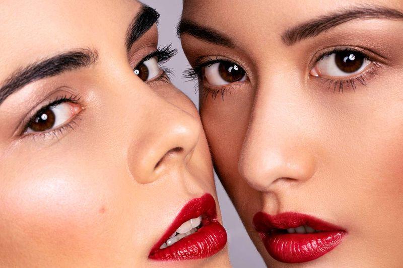 Mimi und Sarah Beauty Close up 3.jpg
