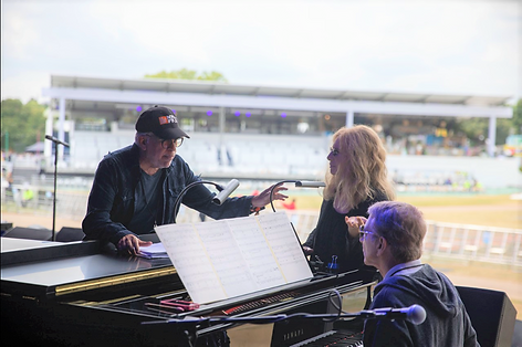 Richard Jay-Alexander rehearsing with Ba