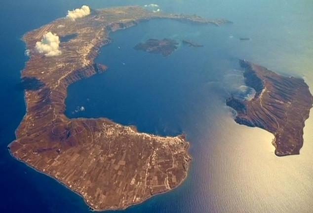 Santorini caldera.jpg