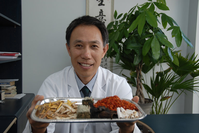 Acupuncturist John Zhang