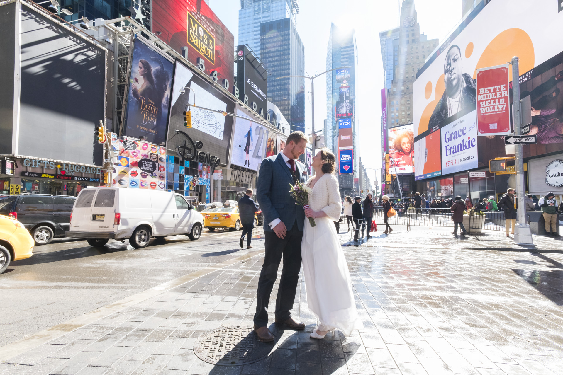 Kerry and Luke elope in NYC