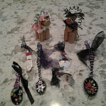 Cork horses (boy and girl colors); floral spoon; rose spoon; winter scene spoon; butter knife Santa ornaments