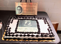 Plaque dispalyed by cake