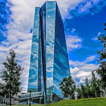 Wolkenbildung an der EZB