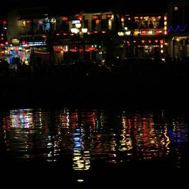 31_An Vietnam nachts mQ