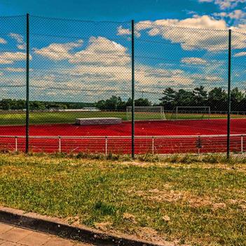 Wolken über dem Sportfeld