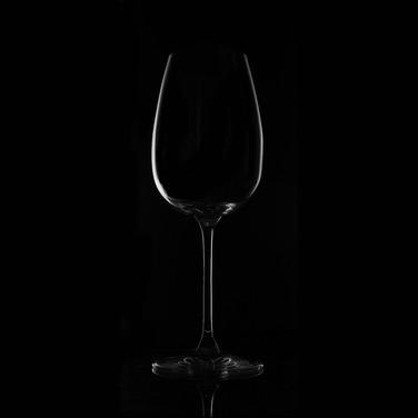 28 Weinglas, schwarz geblitzt mit Bouncer