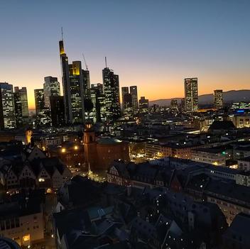 Frankfurt City zur blauen Stunde