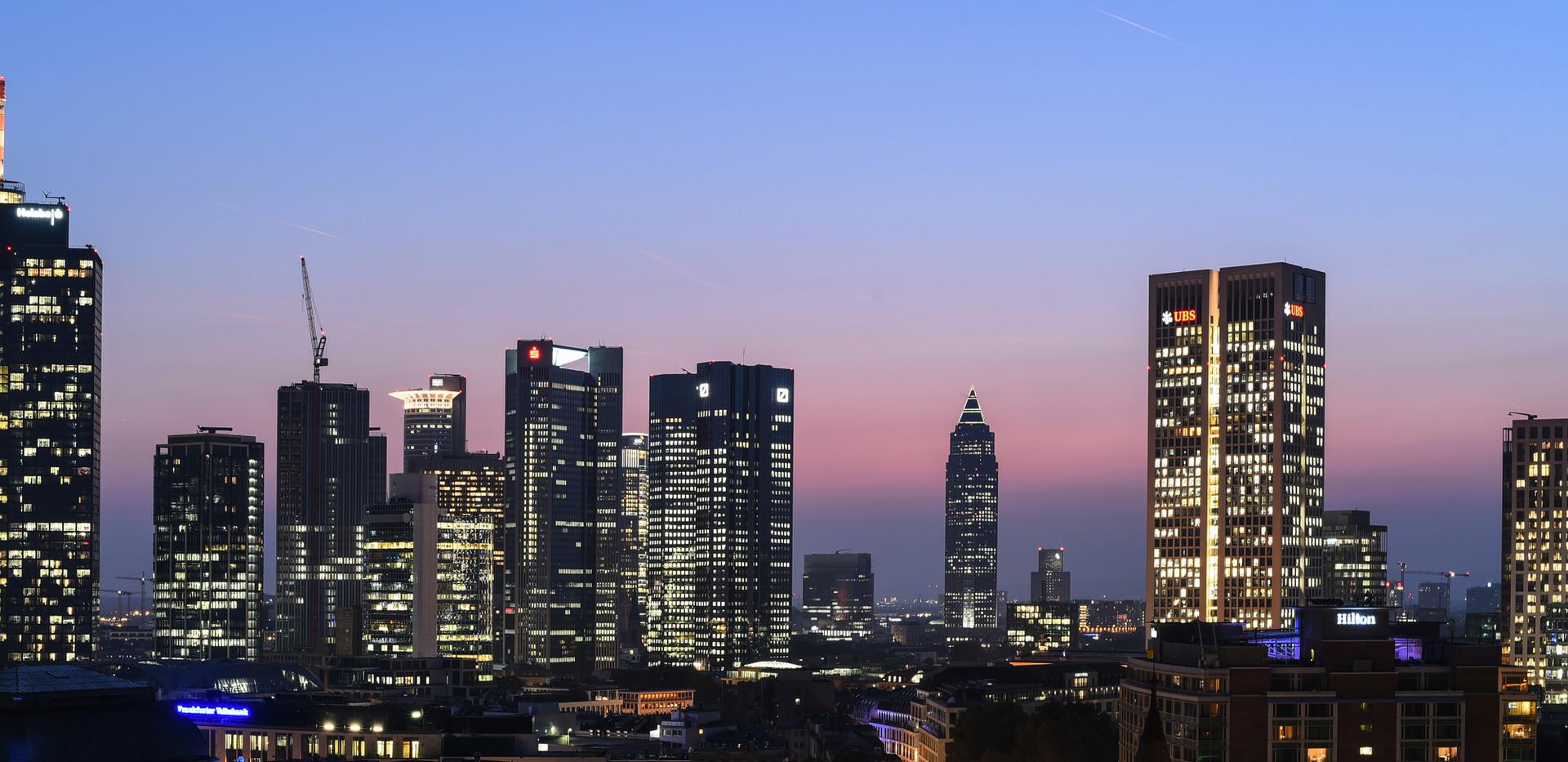 Frankfurt blaue Stunde.jpg