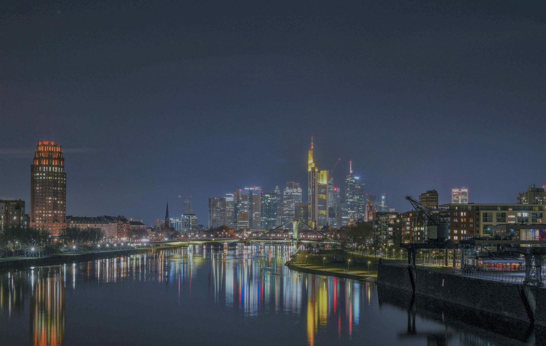 Frankfurt Nacht 23.Jan_edited.jpg