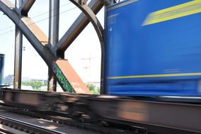 Güterzug auf Deutschherrnbrücke Frankfurt am Main