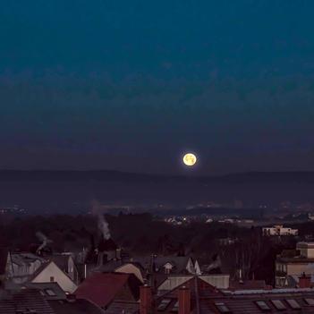 Roter Mond über Bad Vilbel