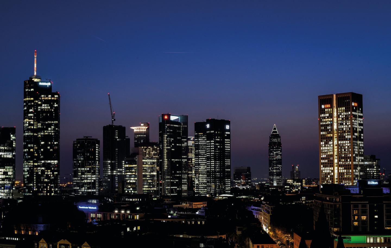 Frankfurt Einbruch der Nacht.jpg
