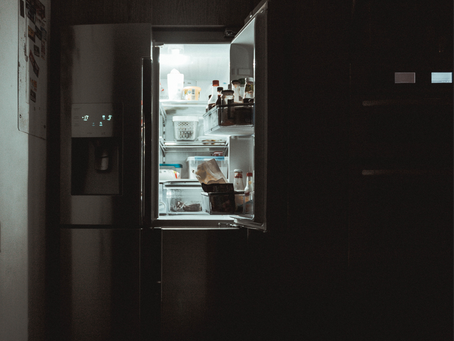 6 Reasons Why You Might Be Late-Night Snacking
